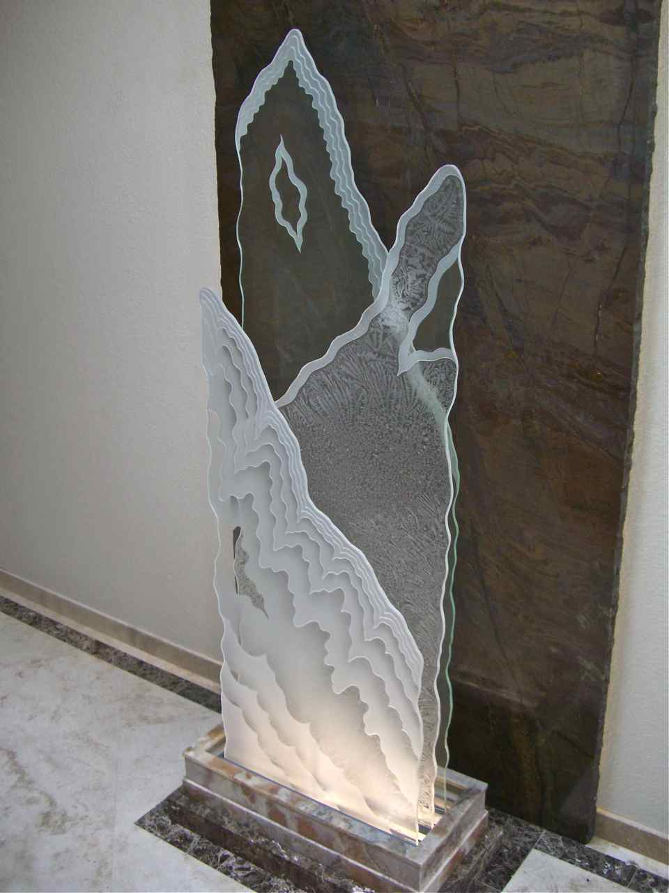 Etched Glass Sculpture Sans Soucie Art Glass
