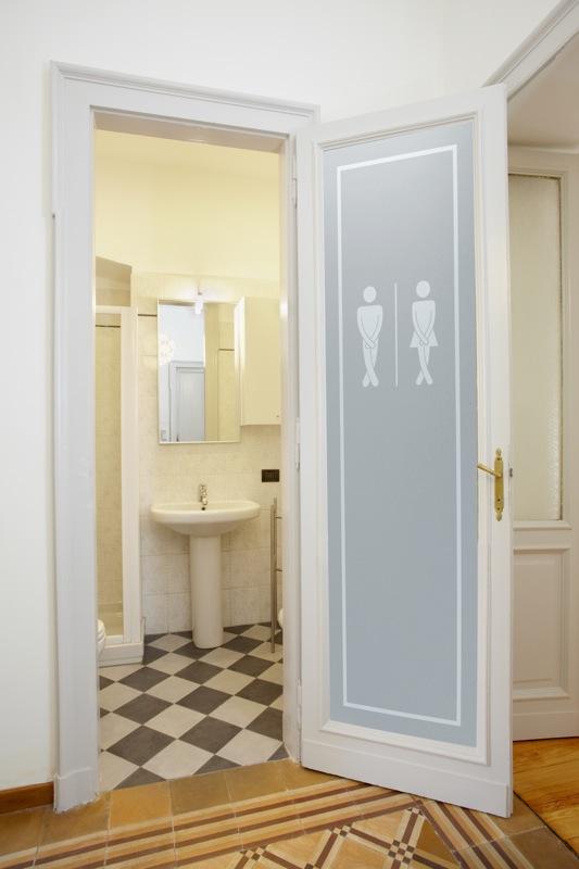 Bathroom luxury with interior glass doors sans soucie for Bathroom glass door