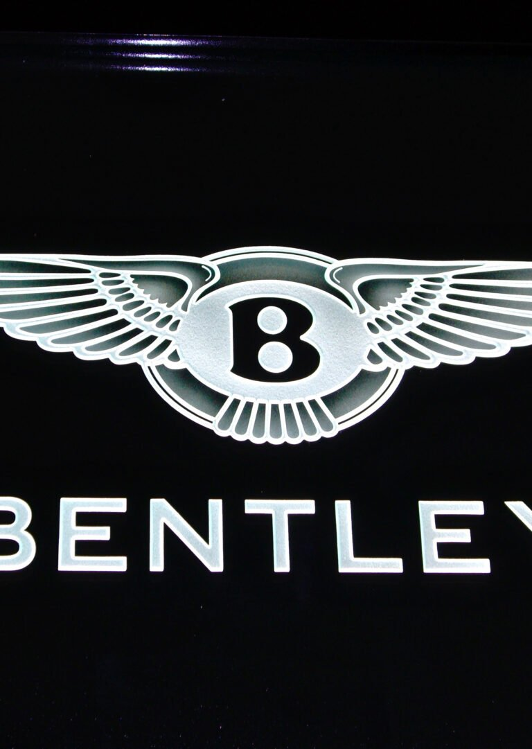Bentley (similar look)