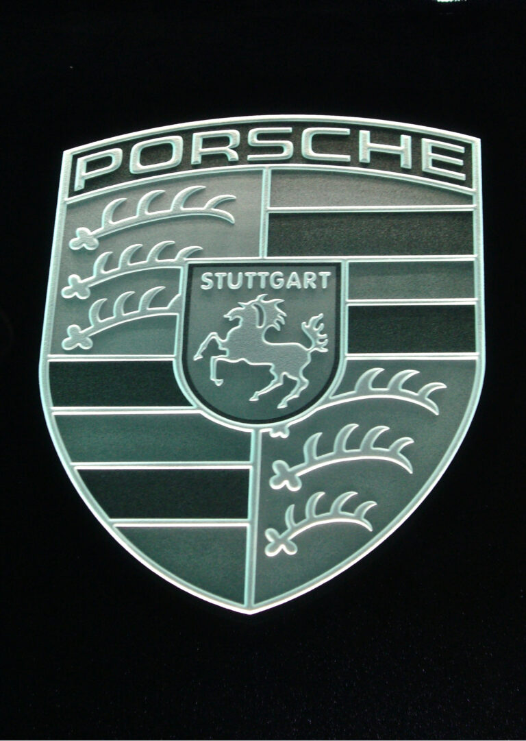 Porsche (similar look)