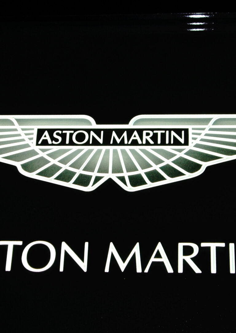 Aston Martin (similar look)