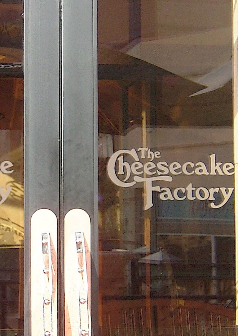 Cheesecake Factory  (similar look)