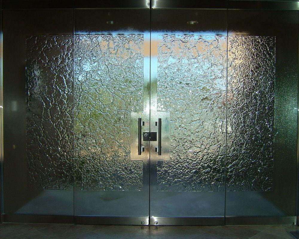 Stone frameless glass doors l sans soucie for Textured glass panels